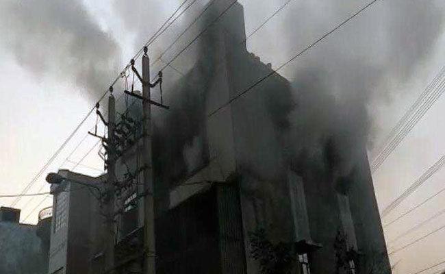 दिल्ली : प्लास्टिक कारखाने में लगी भीषण आग में 10 की मौत
