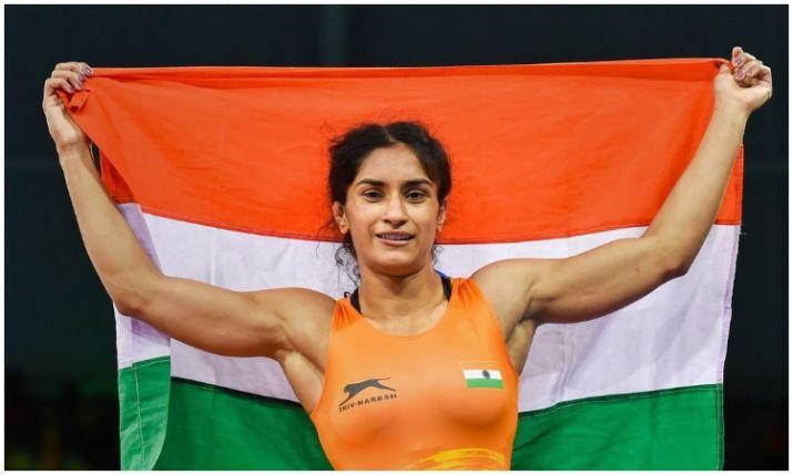 गोल्ड जीत भारत लौटी विनेश एयरपोर्ट पर हार गईं अपना दिल, सोमवीर से की सगाई