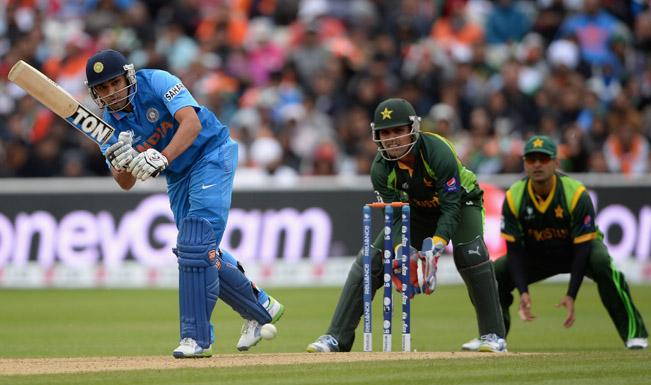 भारत ने पाकिस्तान को 8 विकेट से धोया, ट्विटर पर लोगों ने यूं उड़ाई खिल्ली