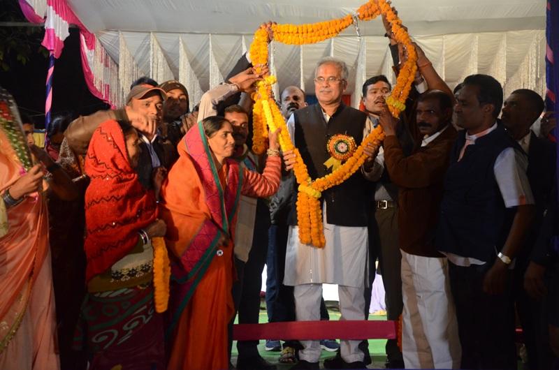 मुख्यमंत्री का कांकेर के रोड शो में भव्य स्वागत