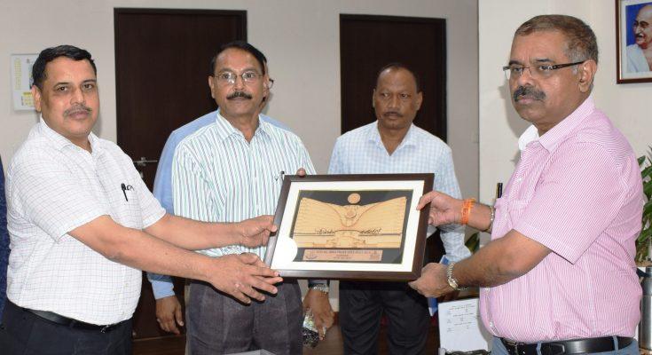 अखिल भारतीय पुलिस ड्यूटी मीट में भाग लेने वाली छत्तीसगढ़ पुलिस टीम के सदस्यों ने डी.जी.पी. से की मुलाकात