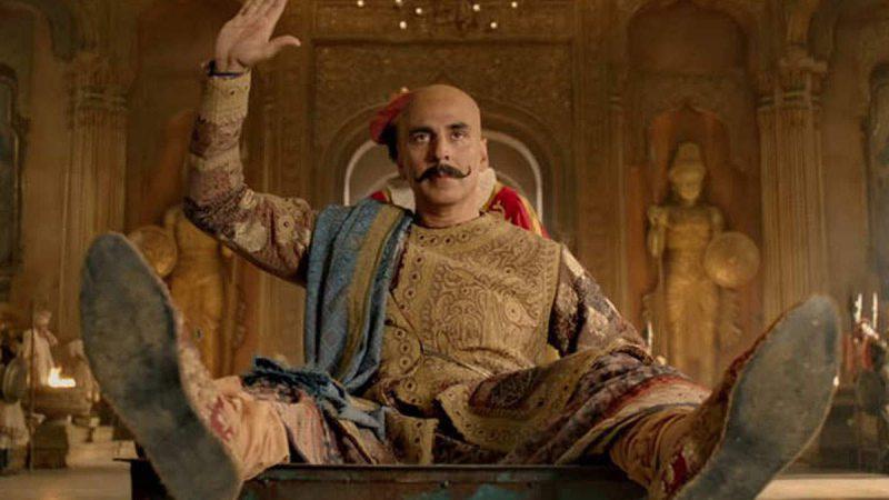 'हाउसफुल 4': अक्षय कुमार ने शेयर किया फिल्म की टीम का फनी फोटो