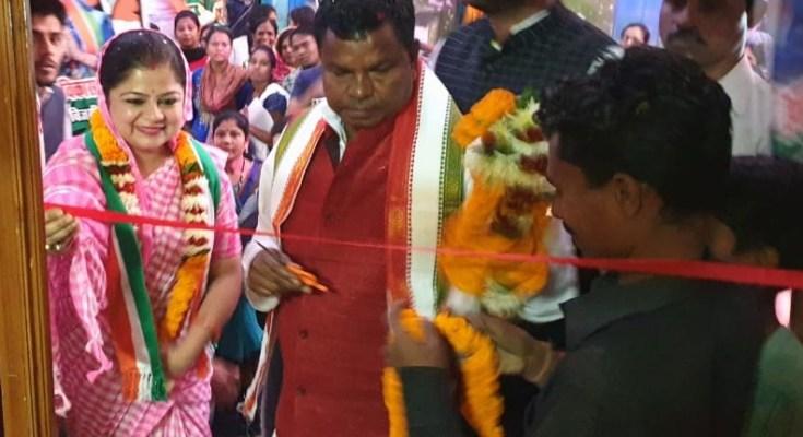 मंत्री कवासी लखमा ने किया रेखा विकास तिवारी के कार्यालय का किया उद्घाटन