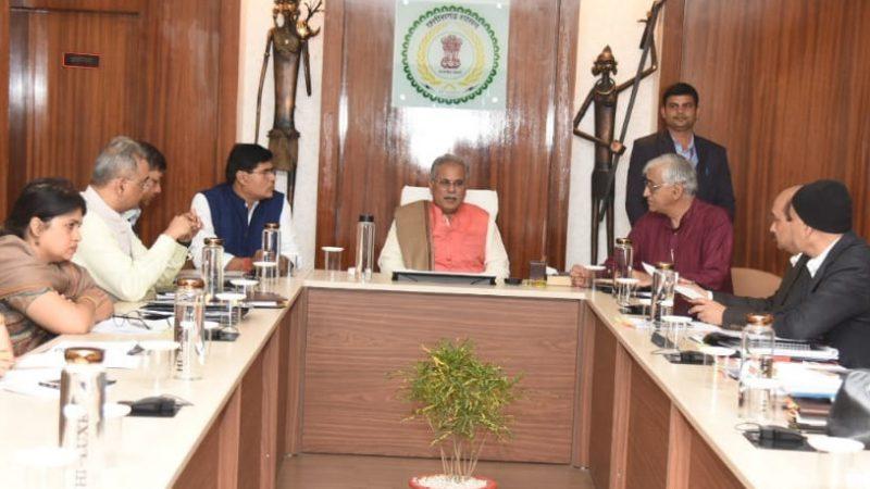 मुख्यमंत्री की अध्यक्षता में आयोजित बैठक में पंचायत एवं ग्रामीण विकास विभागों के बजट प्रस्तावों पर चर्चा