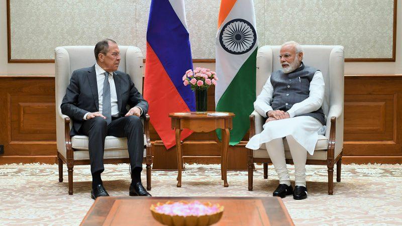 रूसी विदेश मंत्री श्री सर्जेई लेवरोव ने प्रधानमंत्री श्री नरेन्द्र मोदी से मुलाकात की