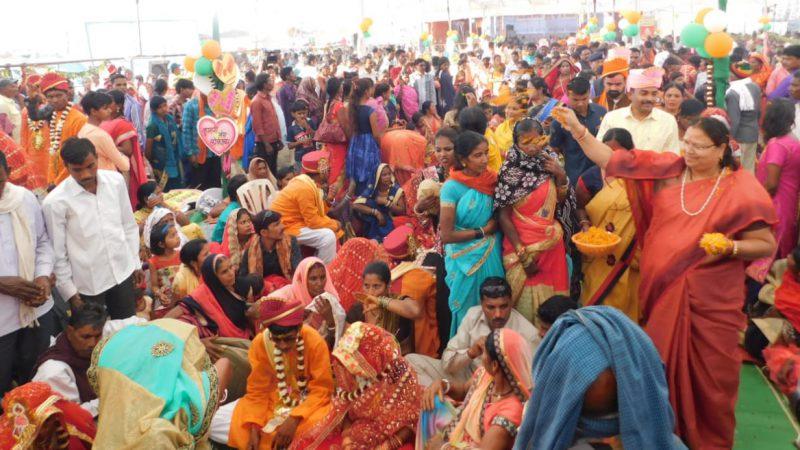 राजिम त्रिवेणी संगम में पहली बार हुआ 187 जोड़ों का सामूहिक विवाह