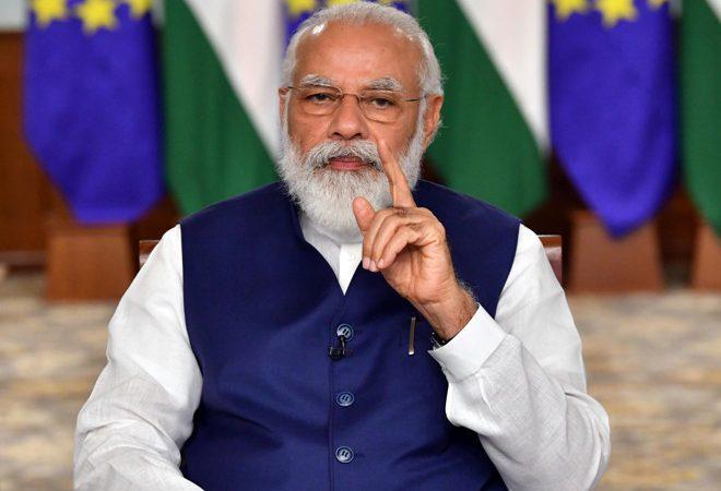 प्रधानमंत्री ने कोविड-19 महामारी की स्थिति, टीके की सुपुर्दगी, वितरण और उसे लगाने के संबंध में चल रही तैयारियों के बारे में बैठक की
