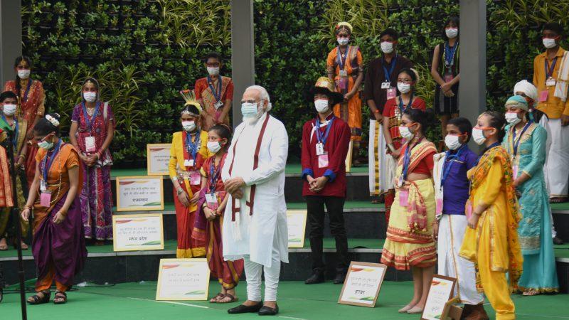 प्रधानमंत्री ने 'गंदगी मुक्त भारत' का शुभारंभ किया – स्वतंत्रता दिवस के अवसर पर स्वच्छता के लिए चलने वाला एक सप्ताह का विशेष अभियान