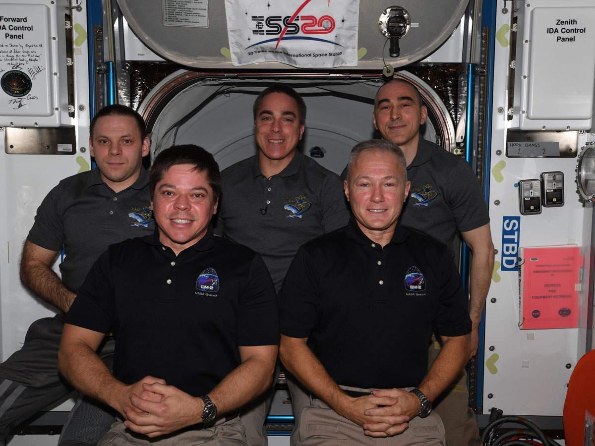 स्पेसएक्स: धरती पर आ रहे हैं दोनों अंतरिक्षयात्री