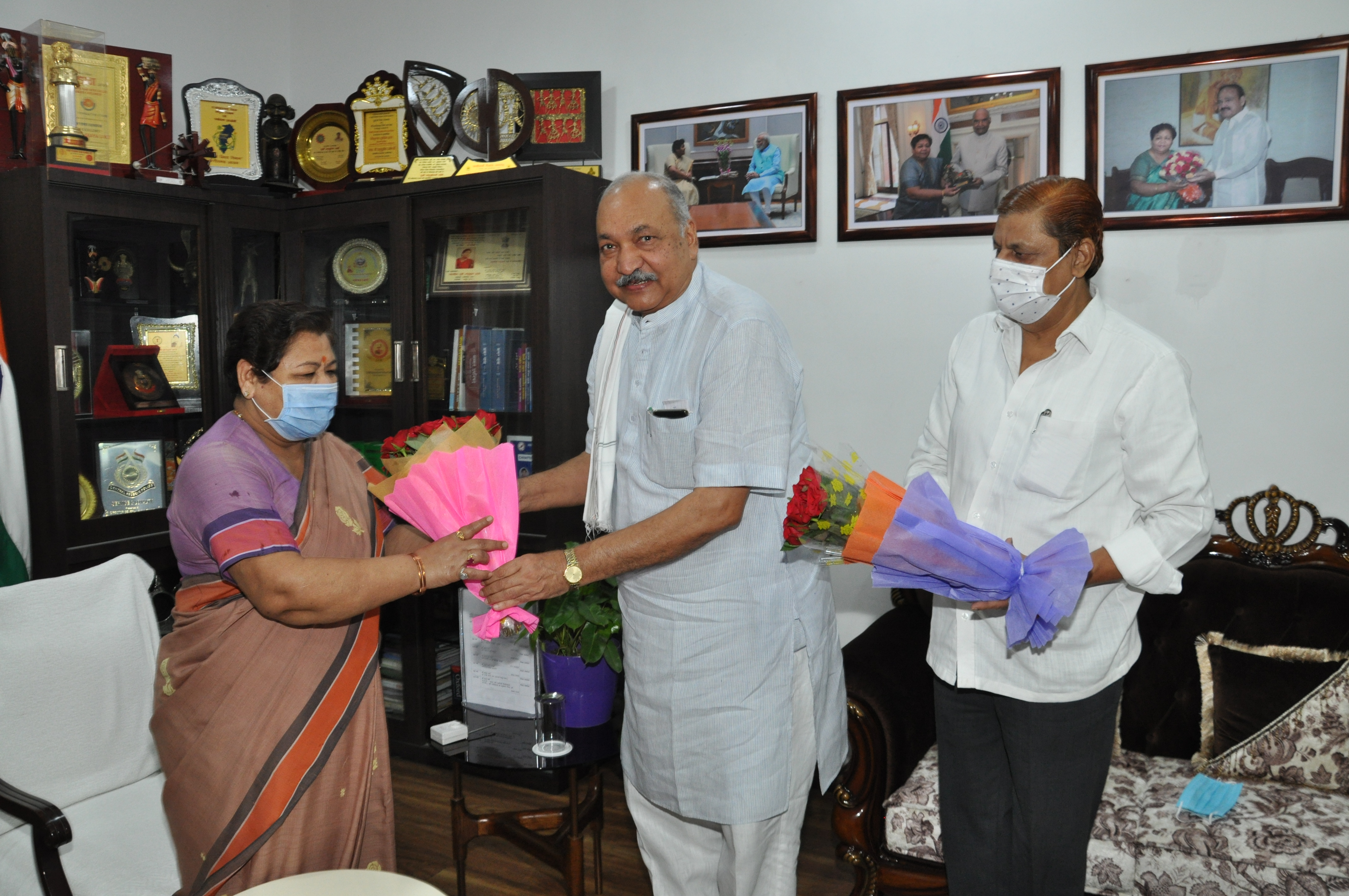 रायपुर : राज्यपाल से कृषि एवं वन मंत्री ने की सौजन्य मुलाकात