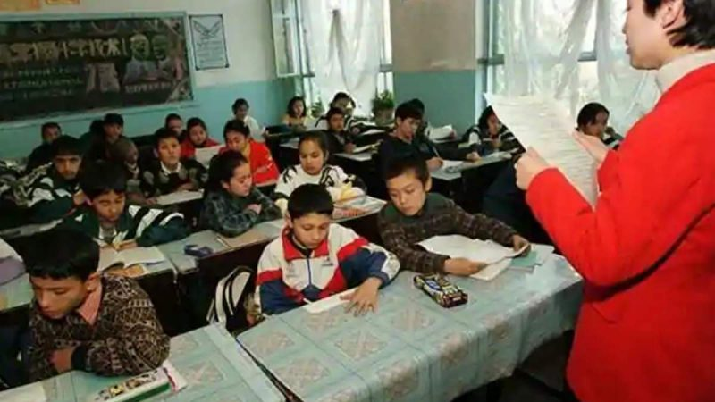 चीन में हजारों उइगर मुस्लिम बच्चे 'अनाथ', डिटेंशन कैंपों में कैद हैं माता-पिता