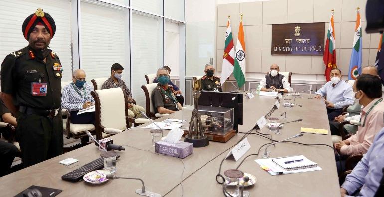 रक्षा मंत्री राजनाथ सिंह ने सात राज्यों और संघ शासित प्रदेशों में बीआरओ द्वारा निर्मित 44 पुलों को राष्ट्र को समर्पित किया