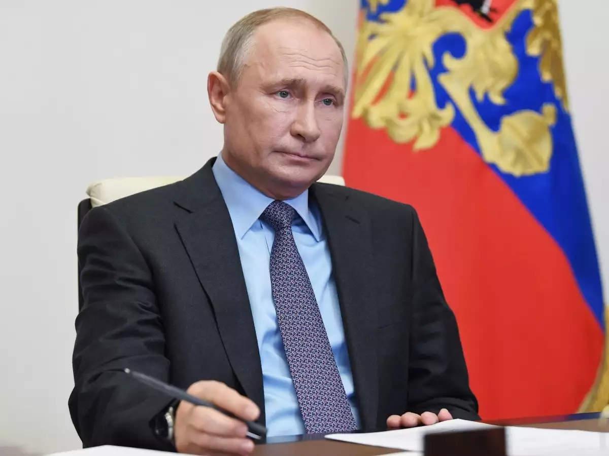 रूस: कैंसर से पीड़ित व्लादिमीर पुतिन छोड़ सकते हैं पद, राष्ट्रपति के आलोचक ने किया दावा