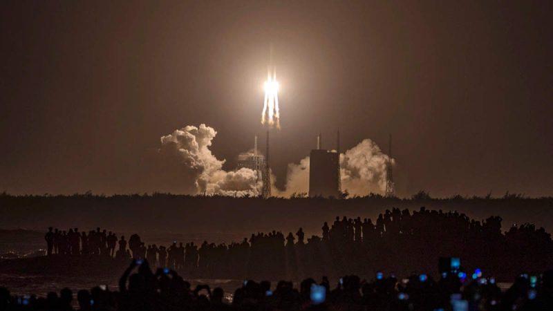 Chang'e: 'चांद का टुकड़ा' लाने निकला चीन, अंतरिक्ष में होगी अमेरिका से टक्कर?