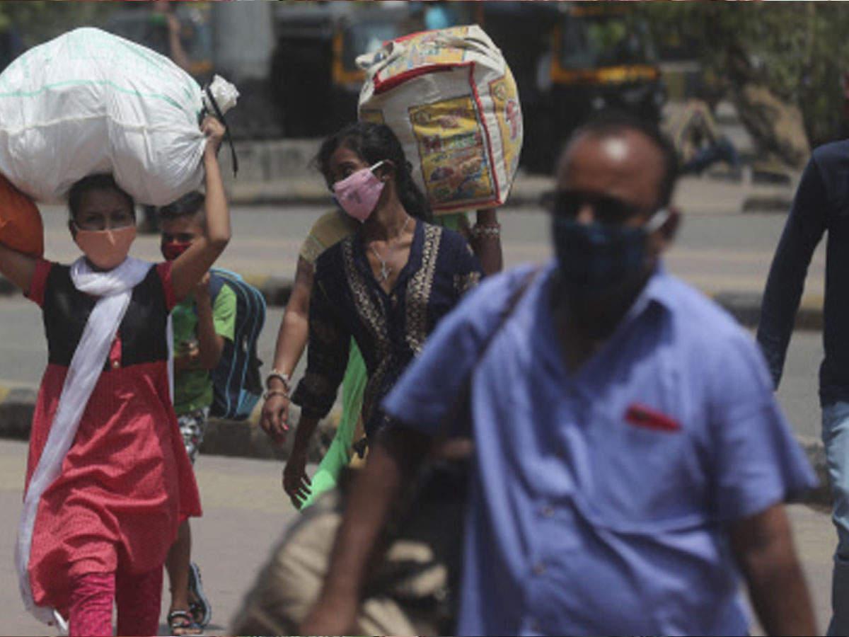 6 महीने में महाराष्ट्र से फिर गांव लौट रहे मजदूर, इस बार कोई मदद करने वाला भी नहीं