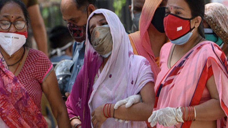 देश में कोरोना से मौतें 5 से 7 गुना अधिक? सरकार ने दावे को खारिज किया, कारण भी गिनाए