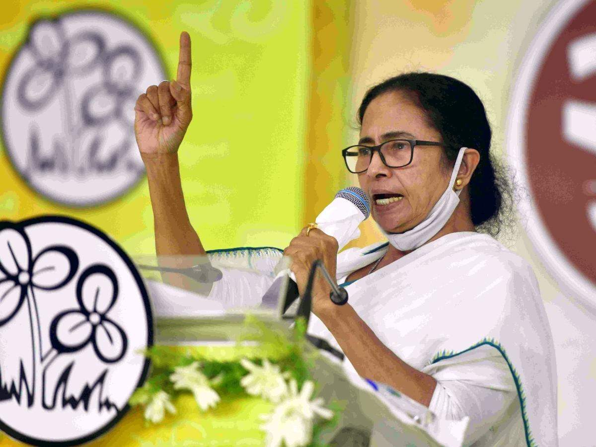 अब दिल्ली पर निगाहें, शहीद दिवस पर दीदी की हुंकार- बीजेपी को सत्ता से उखाड़ फेंकने तक 'खेला होबे'