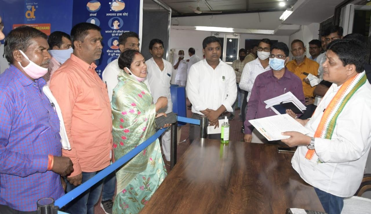 मंत्री डॉ डहरिया ने जनदर्शन में सुनी आमनागरिकों की समस्या